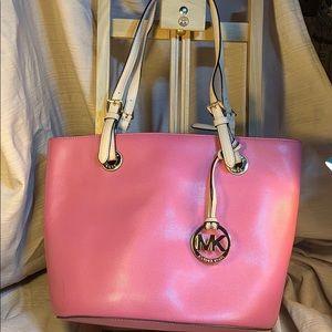 Michael Kors NWOT superb leather tote/shoulder bag